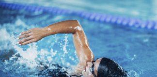 benefícios da natação para corredores