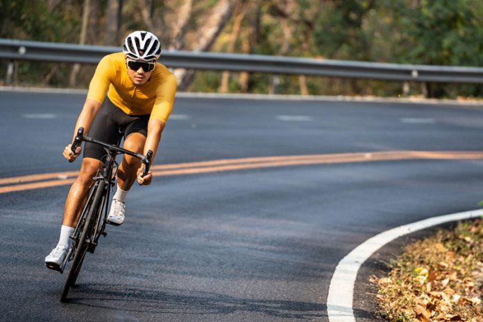 exercícios aeróbicos de baixo impacto ciclismo
