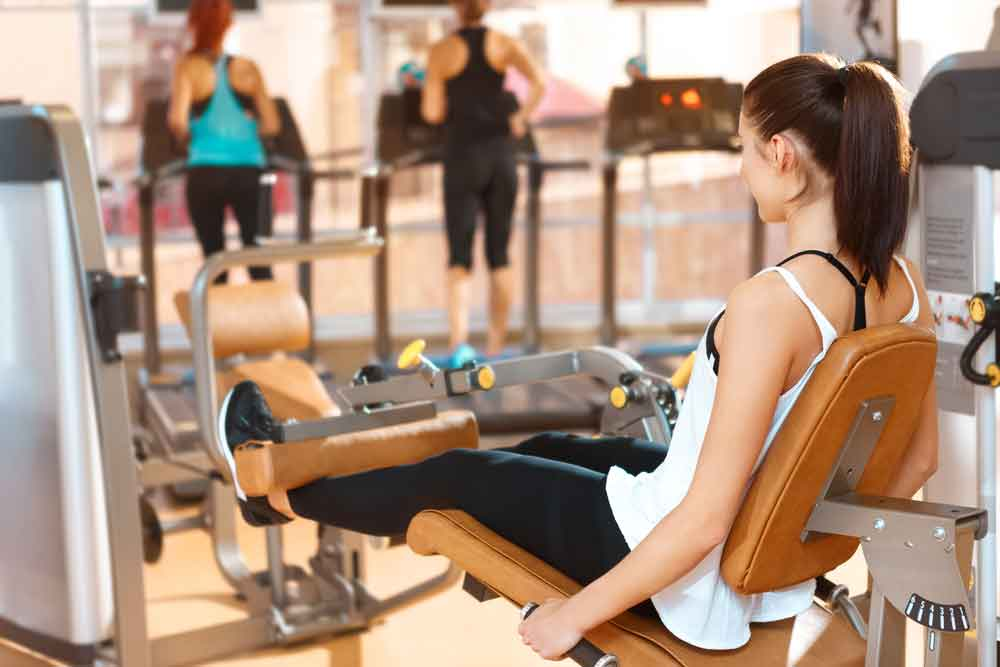 Você não precisa levantar muito peso para ficar mais forte. Foto: Shutterstock