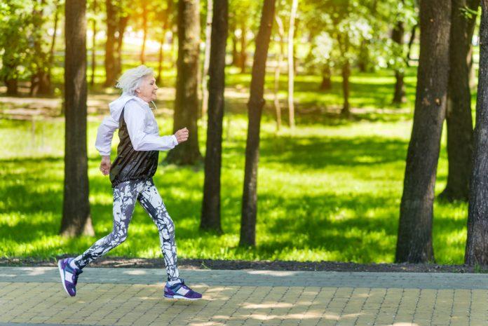 Tratamento para artrite praticar exercícios físicos melhora a dor