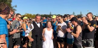 Casal trocou valsa por corrida no casamento