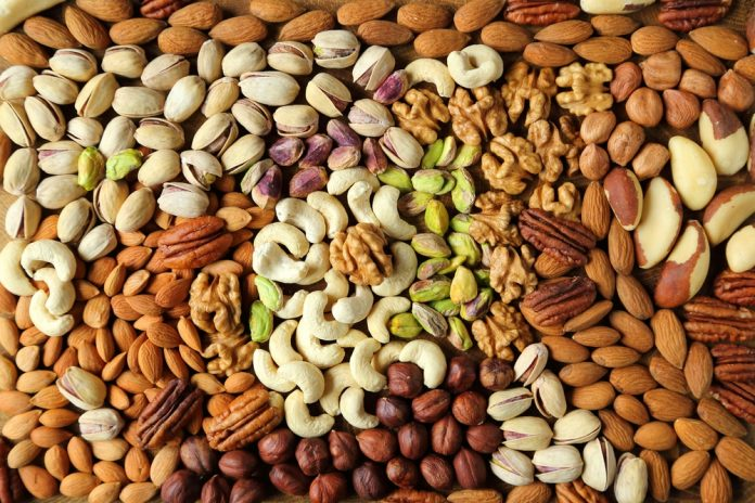 Vitamina E: estudo aponta que você não precisa consumir alimentos gordurosos para absorvê-la