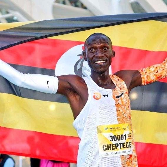 Joshua Cheptegei quebra recorde mundial nos 10K