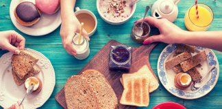 O que comer no café da manhã para render melhor no treino